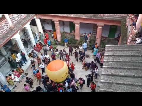 কলকাতার বিডন স্ট্রিটে অনুষ্ঠিত হল ফানুস উৎসব