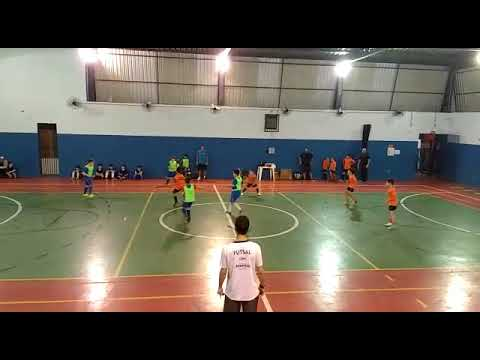 Gol do Enzo de 8 anos na escolinha de futebol em Bauru, SP, parte 3