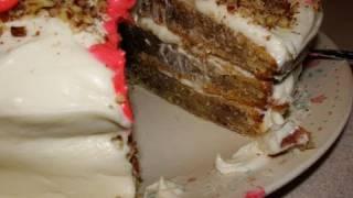 Happy birthday Yoyomax12 – Paula Deen Hummingbird Cake (fail! sort of)