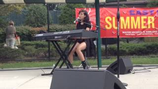 "Christina Grimmie singing ""Hold On We're Going Home"" at East Hills"