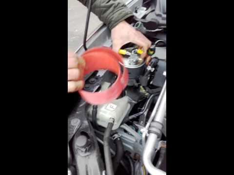 Fiat doblo 1.6 Gas das Benzin der Ersatz des Riemens grm