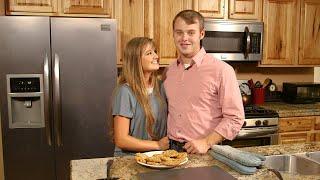 Learn To Make Joe Duggar's Favorite Oatmeal Cookies! | Counting On
