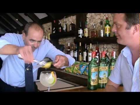 Xoriguer Special Menorcan / Menorca Gin And Tonic   With Professional Cocktail Waiter Wambo Sanchez