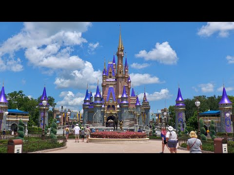 Relaxing Walk Around Magic Kingdom in 4K | Walt Disney World Resort Orlando Florida August 2020