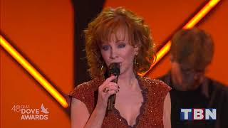 "Reba McEntire Performs ""Back To God"" & ""Swing Low Sweet Chariot"" 