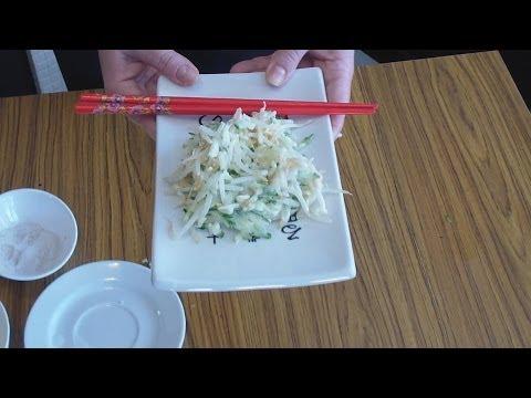 Салат из пророщенной пшеницы или фасоли с огурцом (Китайская кухня)