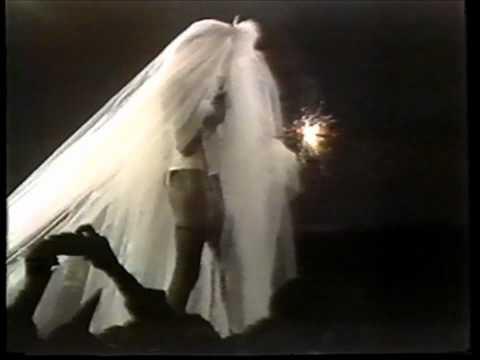 Grace Jones - I Need A Man.wmv