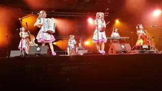 Annin Showchestra On Karasu Stage