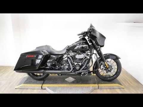 2018 Harley-Davidson Street Glide® Special in Wauconda, Illinois - Video 1