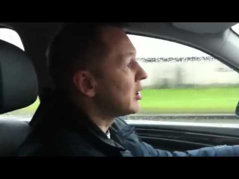 Анекдот как таксист везет пассажиров