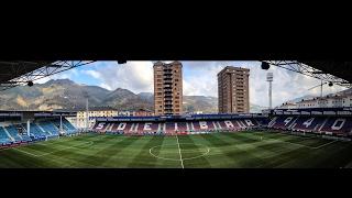 The players arrive at Eibar