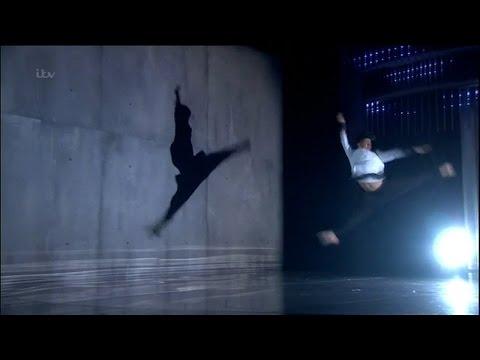 Britain's Got Talent 2015 S09E16 Semi-Finals Jonathan Lutwyche Incredible Modern Dance Routine (видео)