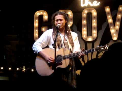 "Jason Castro ""It Matters To Me"" at The Grove, Los Angeles, 8/19/09"