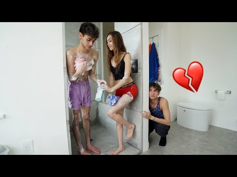 I CAUGHT MY GIRLFRIEND TAKING A SHOWER WITH MY TWIN