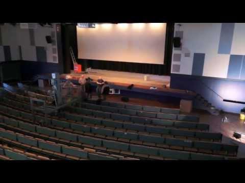 VOLLTON & LICHT aus Oberhausen erneuert die Bühnenbeleuchtung in der Uni Duisburg
