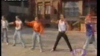 Mercurio - A la puerta de la escuela (videoclip).wmv