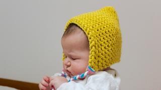 How to Loom Knit an Easy Baby Hood (DIY Tutorial)