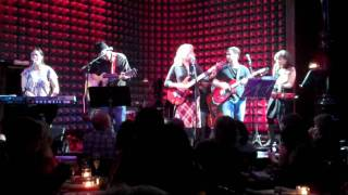 """New England"" Tanya Donelly at Joe's Pub 2/13"