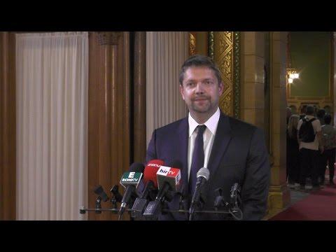 A Fidesz egy pénzmosó törvényt akar elfogadtatni