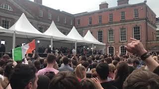 Crowd cheers Mary Lou McDonald | Kholo.pk