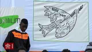 Papa Francesco lavanda dei piedi centro accoglienza migranti Castelnuovo di Porto 24-03-2016