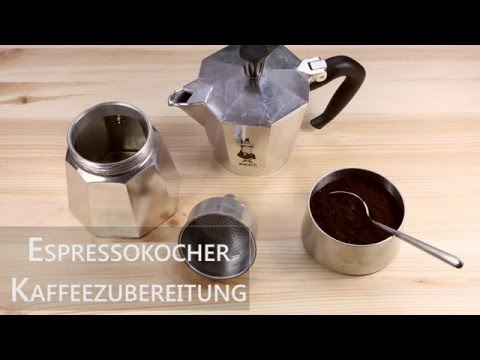 Kaffeezubereitung mit dem Espressokocher   Mokkakanne