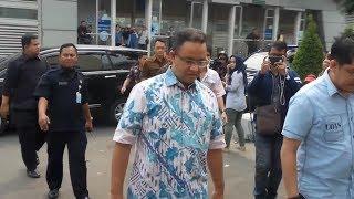 Anies Baswedan Kunjungi Para Korban Ledakan Bom Di RS Premier Jatinegara