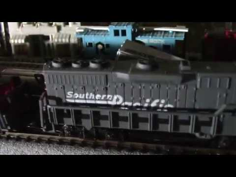 N SCALE LAYOUT RUNNING KATO SUPER CHIEF RUNNING PART OF ......