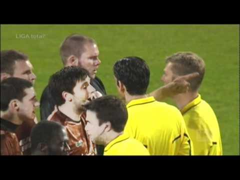 St.Pauli  Schalke 04 0:2 Spielabbruch kurz vor Schluss Becherwurf Schiedsrichter K.O. Skandal