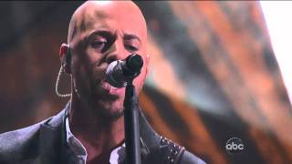 """Daughtry — """"Crawling Back To You"""""""