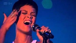Gambar cover Rihanna -