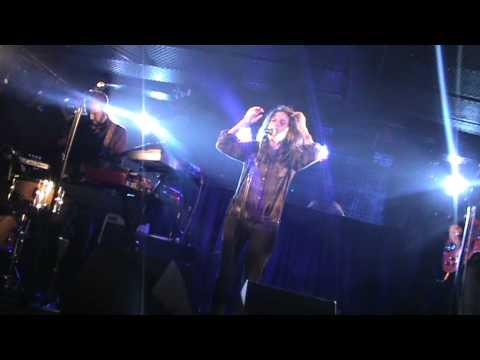 ROBI - Il Se Noie (Reprise de TRISOMIE 21) [10-02-2012, Live Au Batofar, Paris]