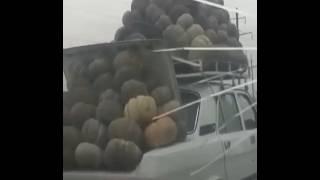 Такую гружённую машину вы не видели ))) Загрузил по полной
