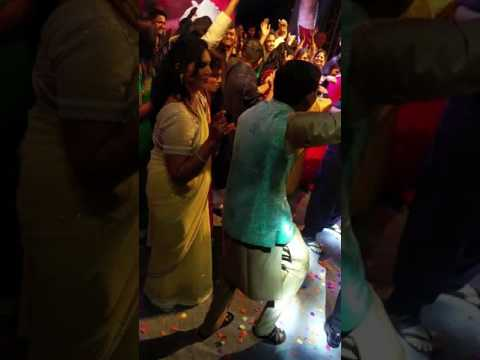 Emcee Chaitanya Rathi does the Mannequin Challenge at Indian Wedding in Nashik