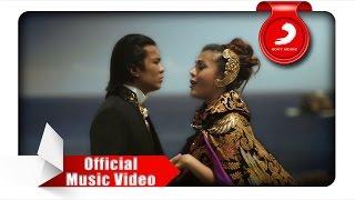 Download lagu Novita Dewi Alex Rudiart Hingga Menutup Mata Mp3