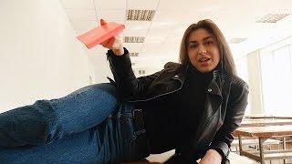 Смотреть онлайн Как девушки сдают экзамен в России