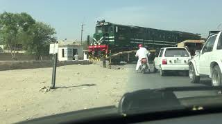 preview picture of video 'Pakistan Railways: Freight Train Crossing Lodhran Junction'