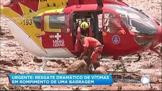 Corpo de Bambeiros resgatam vítimas no lamaçal da barragem que se rompeu em Brumadinho