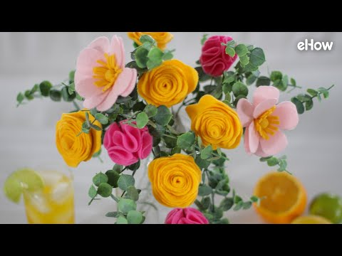 DIY Felt Flowers Bouquet: New Video and Tutorial Just in Time For Valentine's Day