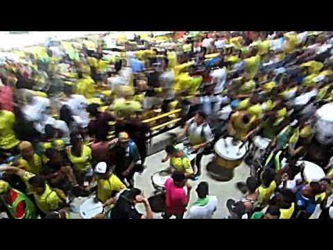 """""""Llego la rebe"""" Barra: Rebelión Auriverde Norte • Club: Real Cartagena"""