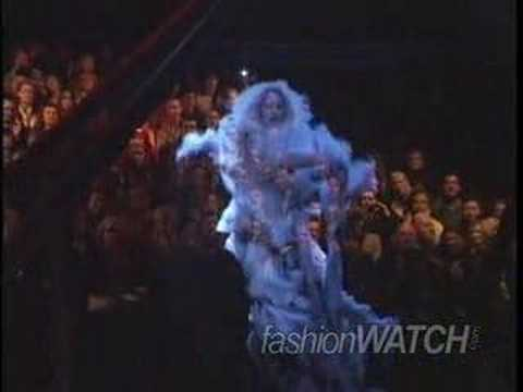 Stunning Fashion Show Holograms