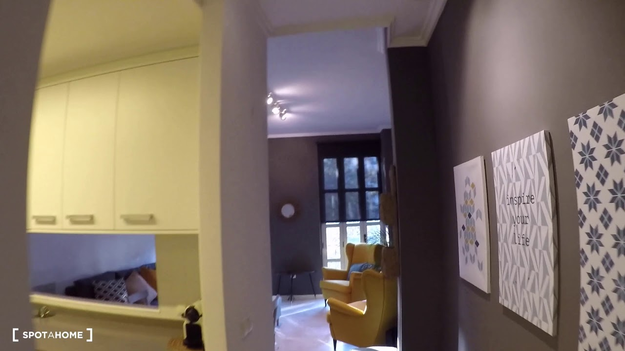 Modern 3-bedroom apartment for rent in Ciutat Vella