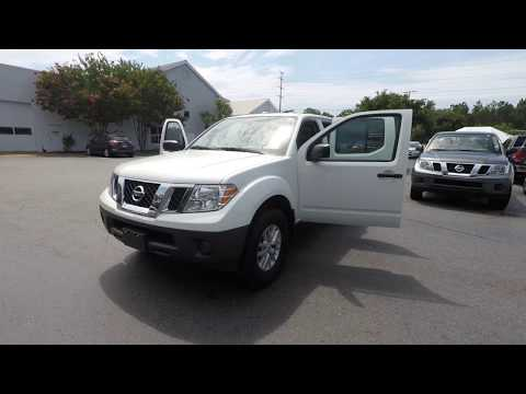Certified Pre-Owned 2018 Nissan Frontier Crew Cab 4x4 SV V6 Auto