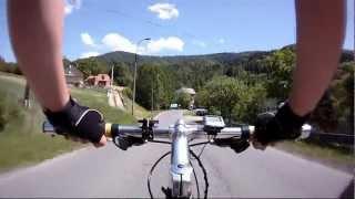 preview picture of video 'Zjazd rowerem ze szczytu góry Żar do Międzybrodzia'