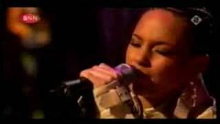 Alicia Keys Live in A'dam Panama, I wanna rock with you