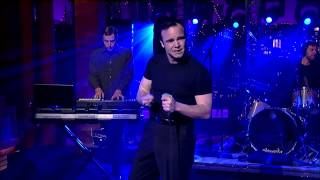 Future Islands on David Letterman performing Seasons (Waiting On You)
