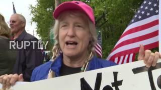 USA: Anti-Trump Protesters Decry His Liberty University Speech