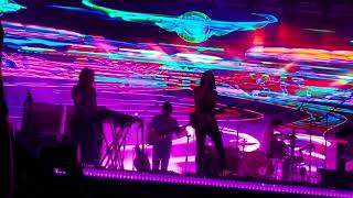 "Tame Impala ""Love/Paranoia"" 