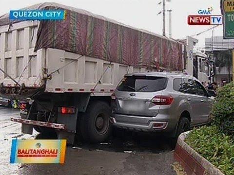 [GMA]  BT: SUV, bahagyang napinsala nang masagi ng dumptruck