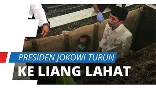 Antar Jenazah Sang Ibunda ke Tempat Perisitirahatan Terakhir, Presiden Jokowi Turun ke Liang Lahat